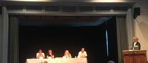 I rappresentanti delle associazioni internazionali candidate  ad ospitare la prossima conferenza internazionale di pratica filosofica. Da sinistra a destra: Polonia, Messico, Russia, Norvegia. Ha vinto il Messico